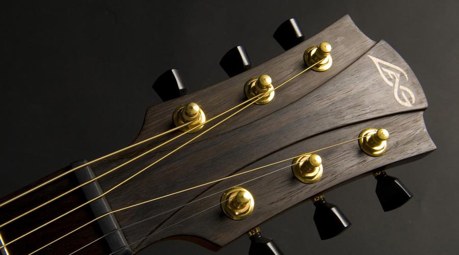 آموزش تعویض سیم گیتار آکوستیک