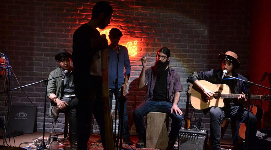 رویداد شماره ۲ لامینور - اجرای راک و کانتری در کافه لیکو