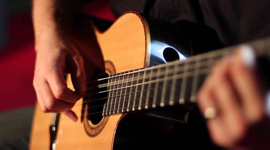 آموزش مقدماتی نوازندگی آرپژ در گیتار