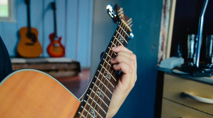 آموزش اصول ابتدایی توالی آکوردها در گیتار