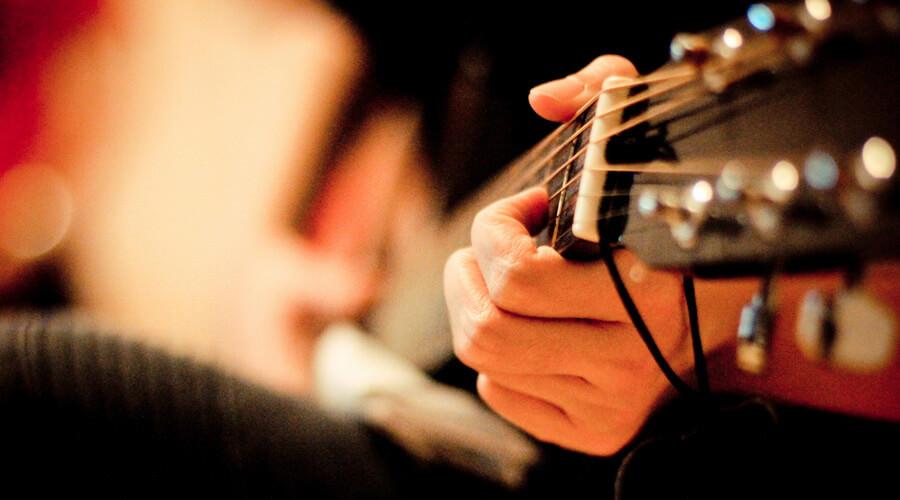 معرفی یک تمرین برای تقویت مهارت شنیداری در نوازندگان گیتار