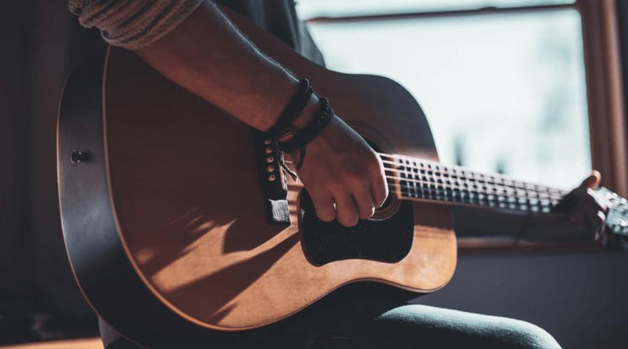 گیتارهای سیم نایلون و سیم فلزی و تفاوتهای آنها برای انتخاب